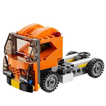 这款乐高积木,按照图纸可拼出跑车,卡车,方程式赛车三种形态,小朋友也