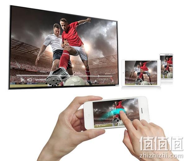 苏宁易购价格3499包邮,同款国美、京东联营均售3699。 49英寸VA面板,LED背光,分辨率高达38402160,配合偏光式3D技术和环绕声音响,带来身临其境的观影感受,宛若置身影院。搭载Mastar四核1.45GHz 处理器,2GDDR内存,8G闪存,支持SD卡扩展,最高可扩展64GB。可与手机、平板多屏互动,无线传屏,大屏分享。内置双频WiFi,自带热点,可上网,亦可充当路由器的角色。配备3个HDMI接口、3个USB接口,支持蓝牙4.