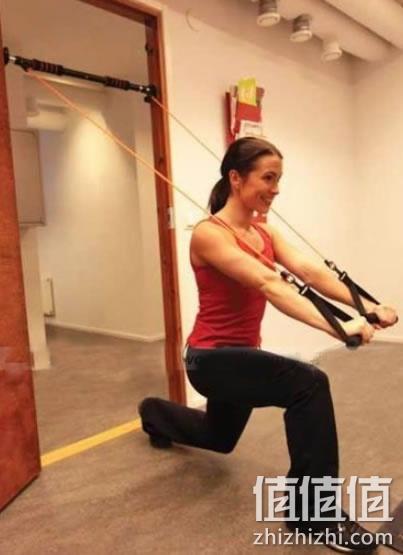 拉力器腿部锻炼方法图解