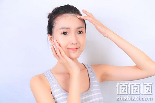 脸上脱皮干燥怎么办,脸上干燥问题该如何应对